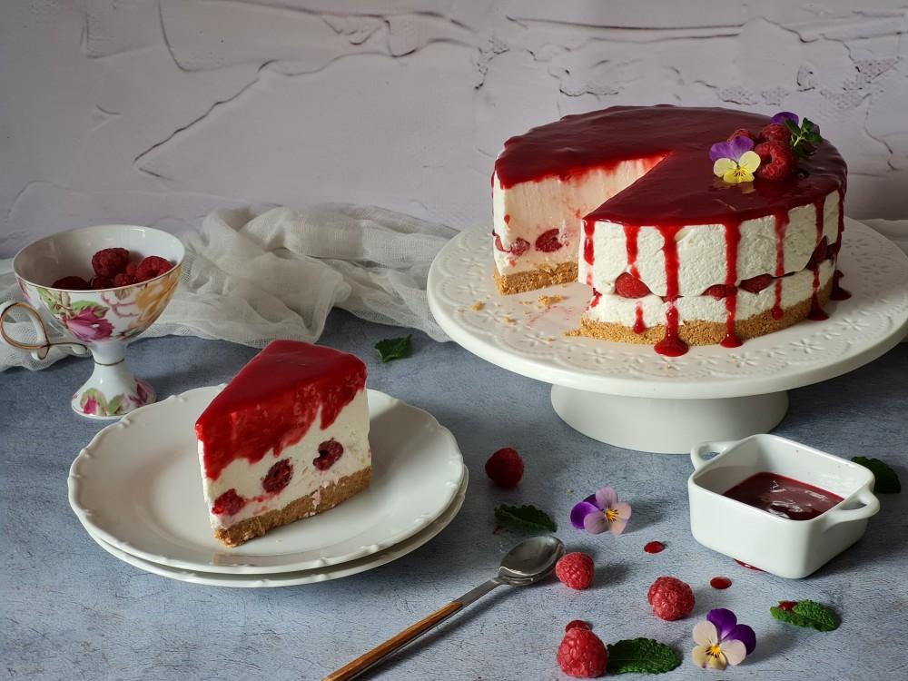 Jogurt torta s malinama