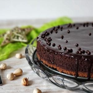 Čokoladna torta s lješnjacima