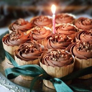 Čokoladni muffini s višnjom